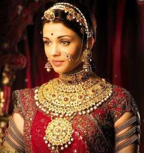 L'actrice Aishwarya Rai en mariée Rajasthani