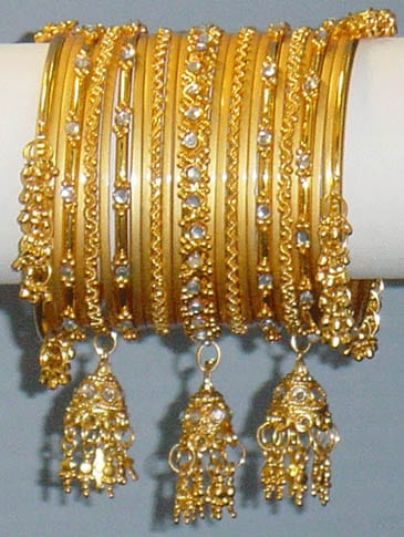 Bracelets or avec jhumki
