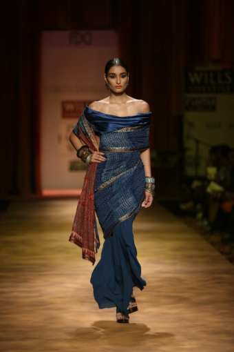tarun-tahiliani-saree-gown