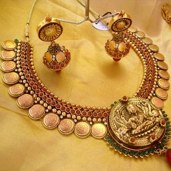 godess lakshmi jewellery