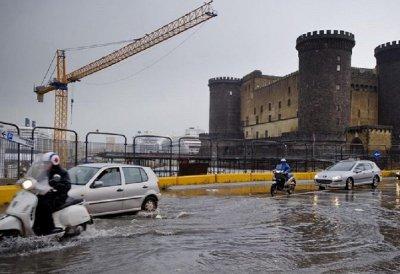 Maltempo oggi a Napoli, solo una breve tregua tra domani e Venerdì.