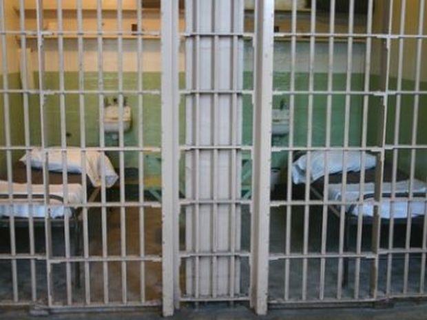 due detenuti