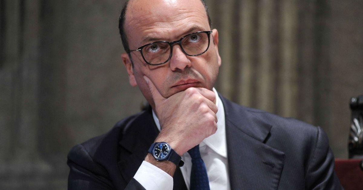 "< img src=""https://www.la-notizia.net/sicilia.jpg "" alt=""sicilia"""