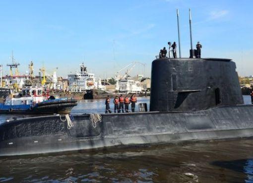 """< img src=""""https://www.la-notizia.net/sottomarino"""" alt=""""sottomarino"""""""