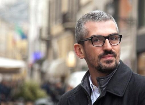 "< img src=""https://www.la-notizia.net/palazzi"" alt=""palazzi"""