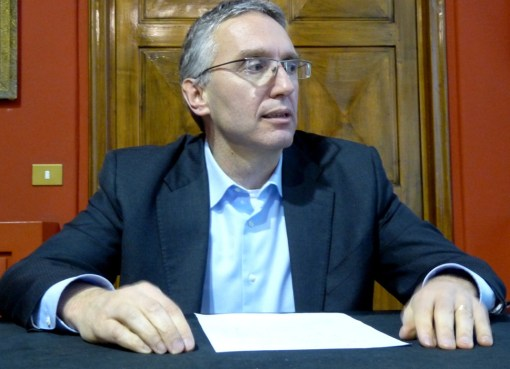 "< img src=""https://www.la-notizia.net/ceriscioli"" alt=""ceriscioli"""