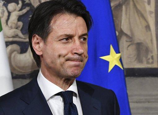 "< img src=""https://www.la-notizia.net/rosiconi"" alt=""rosiconi"""