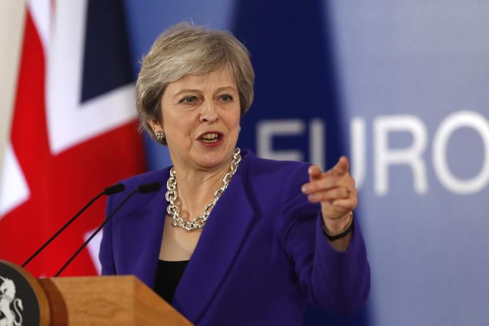 Brexit, May sfida la rivolta dei Tory:
