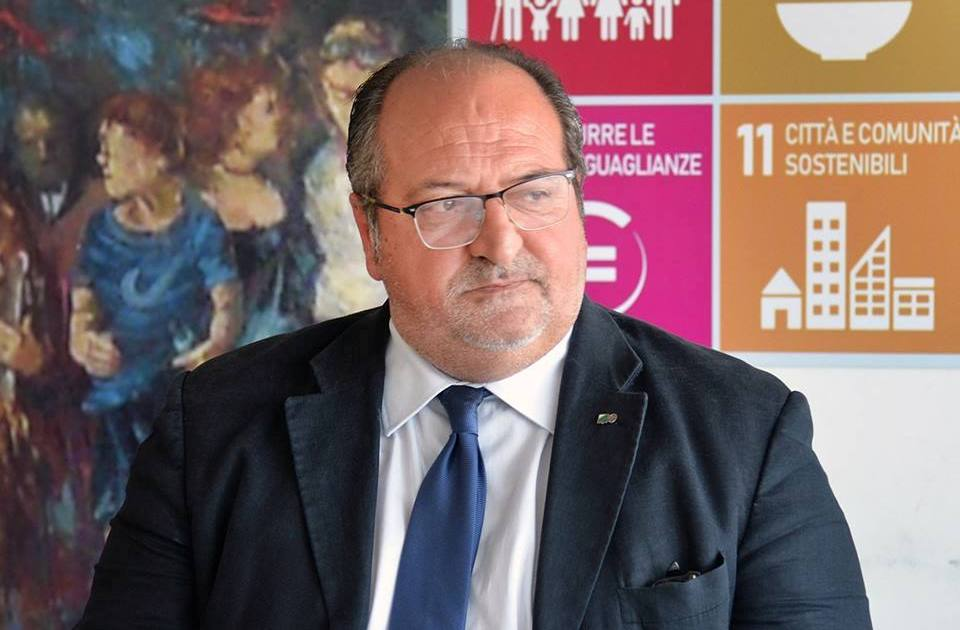 "< img src=""https://www.la-notizia.net/legnini"" alt=""legnini"""