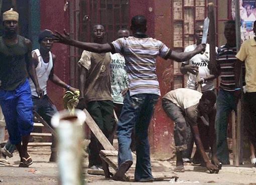 """< img src=""""https://www.la-notizia.net/mafia-nigeriana"""" alt=""""mafia nigeriana"""""""