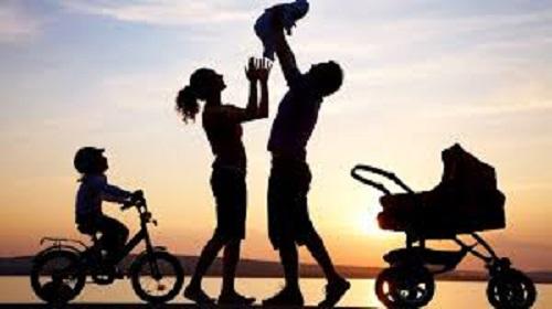 """< img src=""""https://www.la-notizia.net/apfamily"""" alt=""""apfamily"""""""