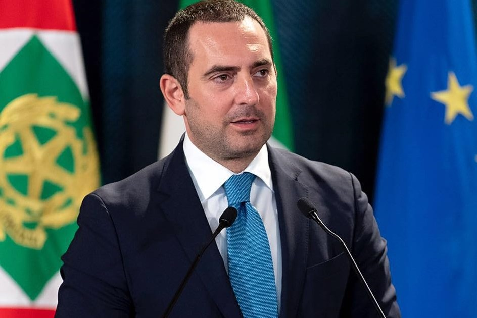 """< img src=""""https://www.la-notizia.net/spadafora"""" alt=""""spadafora"""""""