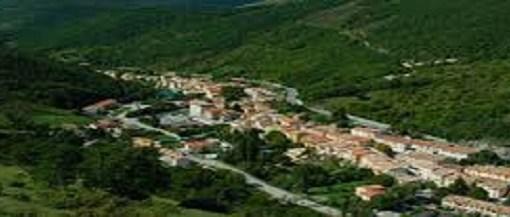 """< img src=""""https://www.la-notizia.net/serravalle"""" alt=""""serravalle"""""""