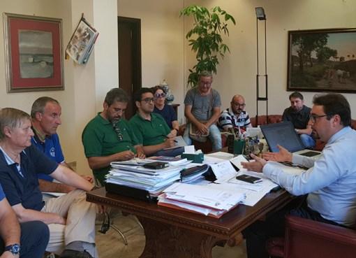 """< img src=""""https://www.la-notizia.net/team"""" alt=""""team"""""""