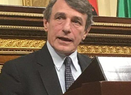 """< img src=""""https://www.la-notizia.net/sassoli"""" alt=""""sassoli"""""""