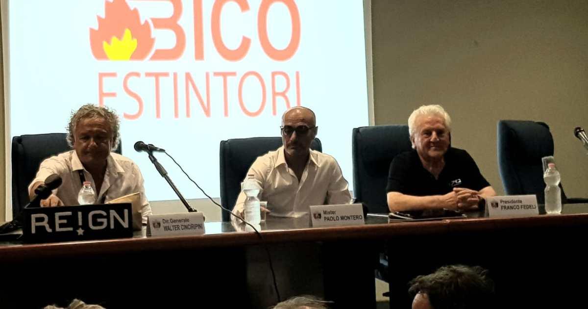"< img src=""https://www.la-notizia.net/montero"" alt=""montero"""