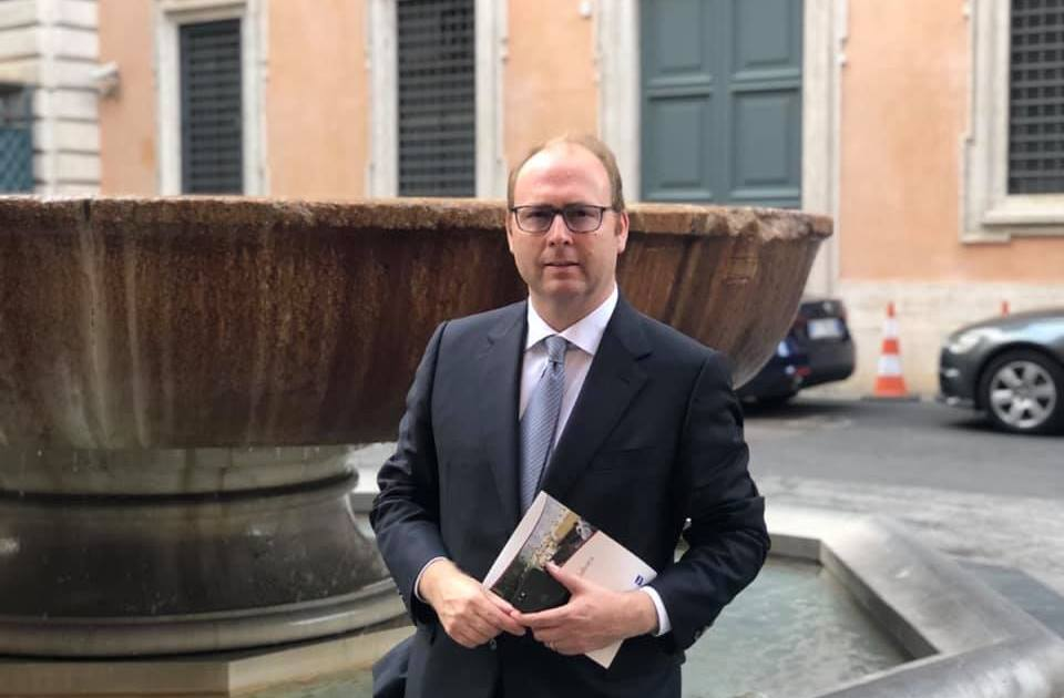 "< img src=""https://www.la-notizia.net/davide-bordoni"" alt=""davide bordoni"""