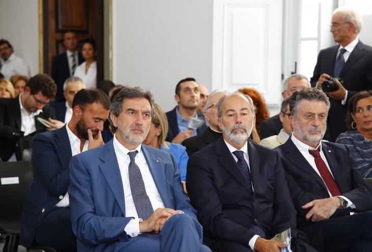 "< img src=""https://www.la-notizia.net/aquila"" alt=""aquila"""