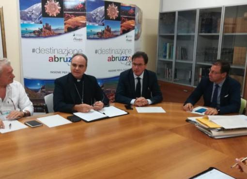 "< img src=""https://www.la-notizia.net/turismo-religioso"" alt=""turismo religioso"""
