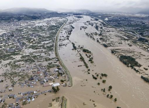 """< img src=""""https://www.la-notizia.net/tifone"""" alt=""""tifone"""""""