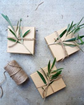 idees paquets cadeaux noel emballages rubans kraft branche olivier