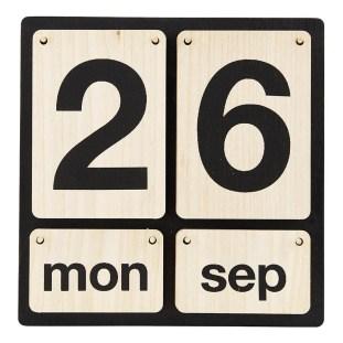calendrier-perpetuel-en-bois-noir smallable