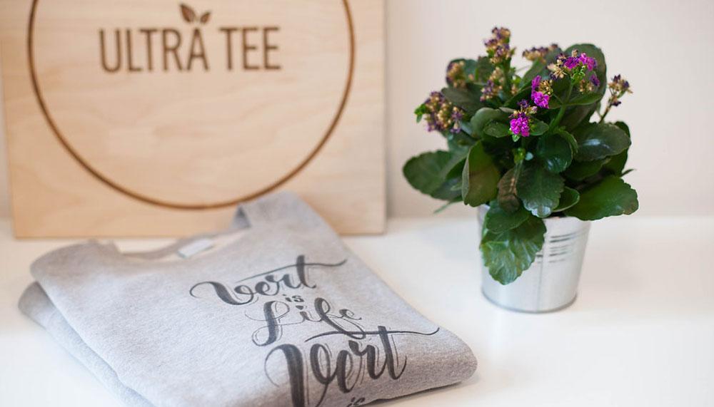 mode-ethique-sweat-gris-fun-tee-shirt-coton-bio-ultra-tee-paris-parisienne