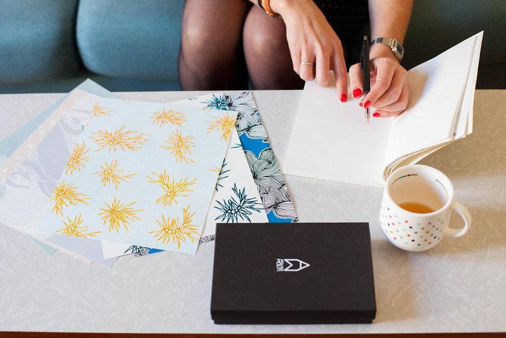 jolie papeterie paris atelier mouti cahier carnet papier peint original