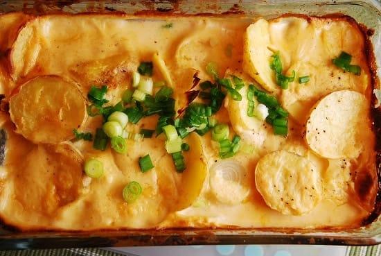https://i2.wp.com/www.laaloosh.com/wp-content/uploads/2012/11/cheesy-potatoes-au-gratin.jpg