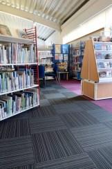 Kirjasto_burmatex_wester-hailes-library-edinburgh-strands-carpet-tiles-07-530x800_laattasuora_textiilipalamatto_textiilimatto_palamatto