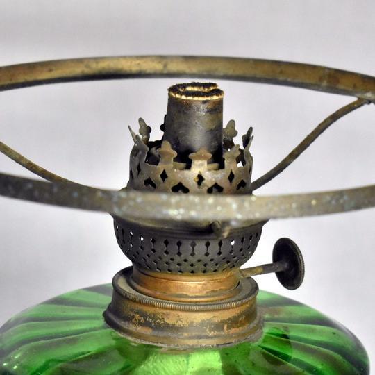 lampe a petrole ancienne art deco