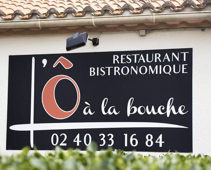 Panneau dibond, enseigne, L'Ô à la Bouche restaurant bistronomique à Vertou (44)