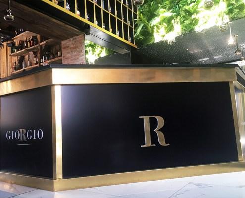 Création et fabrication de comptoir de bar pour le restaurant GIORGIO à Nantes (44)