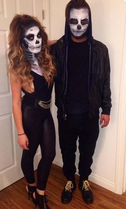 Easy Skeleton Costume for 2 | Looking for iconic couples costume Halloween ideas for 2020? Find the best couples Halloween costume ideas, perfect for matching with your boyfriend. Find hot couples costume ideas, cool Disney characters costumes and the best DIY, funny, and scary couples Halloween costume inspiration. #CouplesCostumeHalloween #couplescostume #halloweencouples #halloween