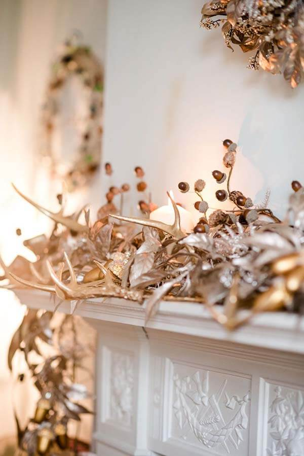 Rose Gold Fireplace Mantle Decorations | Want ideas for a themed Christmas decor this year? There is nothing more elegant and feminine that pink gold decor and the sky is the limit when looking for pink gold Christmas decoration. From pink Christmas tree, elegant gold pink Christmas decoration and ornaments, gold pink xmas wreaths, gold pink ideas DIY and the cutest gold pink Christmas decor from the dollar store. #pinkchristmas #pinkgoldchristmas #pinkchristmasdecor #pinkchristmasaesthetic #themedchirstmas