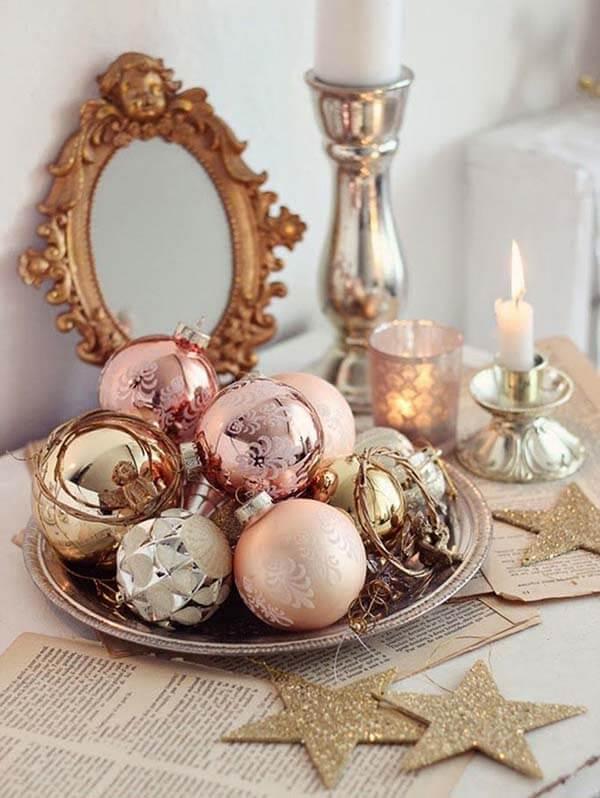 Rose Gold Christmas Decor Ideas For an Elegant Home