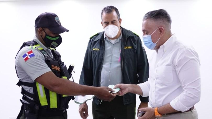 El general retirado Flavio de Jesús Soto Jiménez se disculpa con agente Digesett