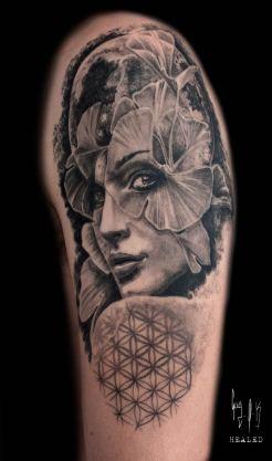 """Tatouage Cicatrisé - """"Gaia"""" autrement par Guy Labo-O-Kult"""