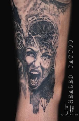 """Crow Woman"" par Guy Labo-O-Kult - 2018   Tatouage Cicatrisé"