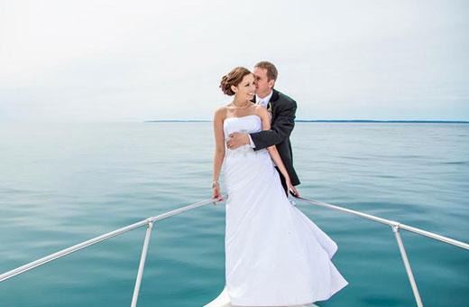 wedding-boat-3