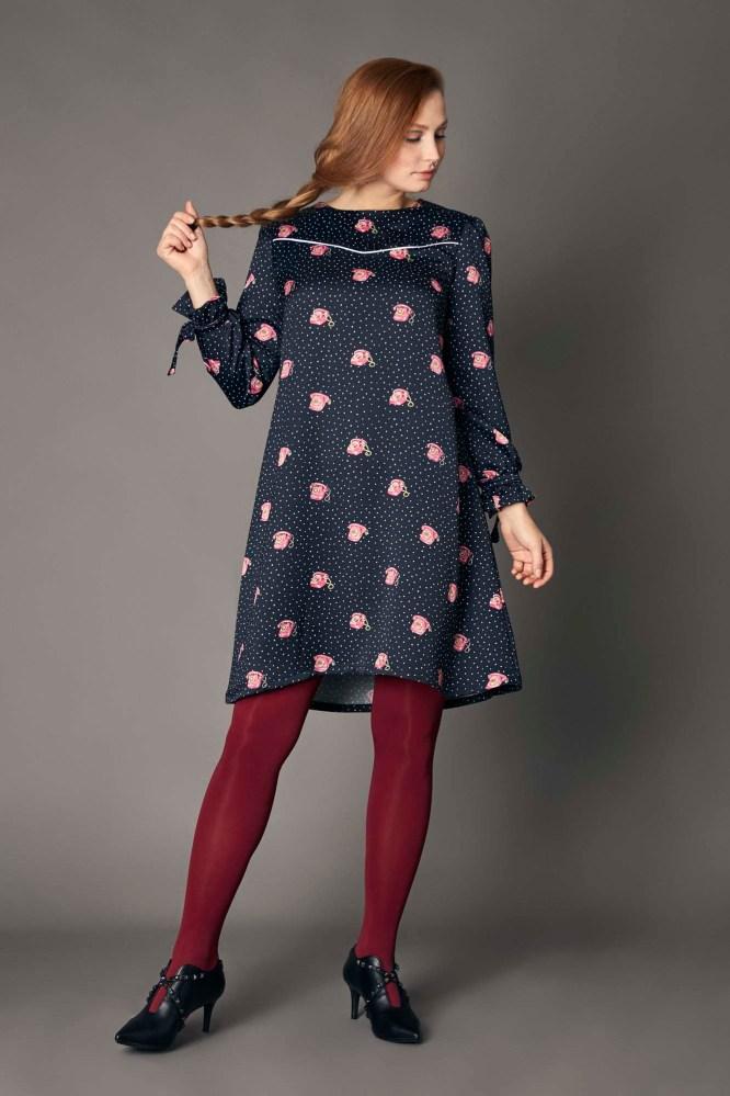 vestido corto con estampado retro