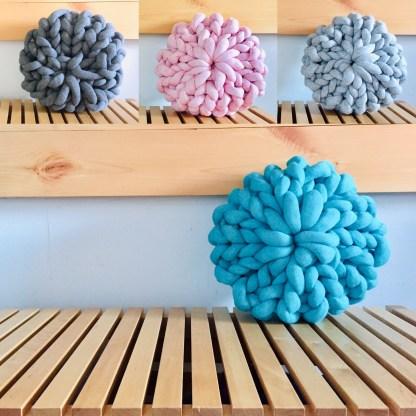 coussin-12po-tricot-rosace-la-boite-ateliers-creatifs2