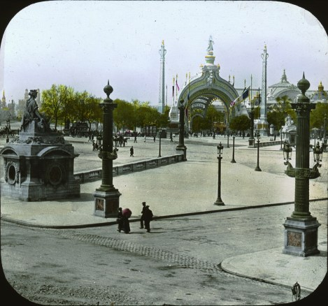 place-de-la-concorde-entrance-gate-2