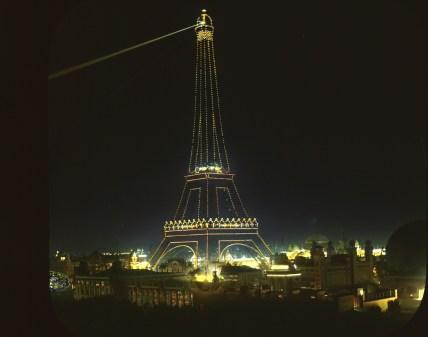 tour-eiffel-illumine