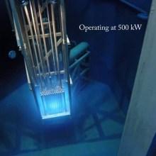 Regardez un réacteur nucléaire fonctionner de très près