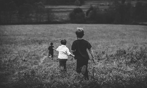 bambini timidi come aiutarli