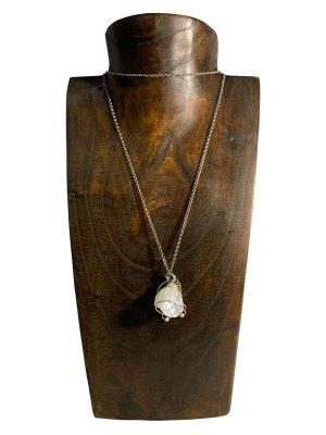 Collana con ciondolo in cristallo di rocca