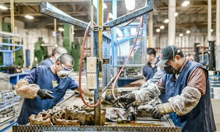 Más de 50.000 empresas pidieron ayuda del Estado para pagar los salarios - La Brújula 24