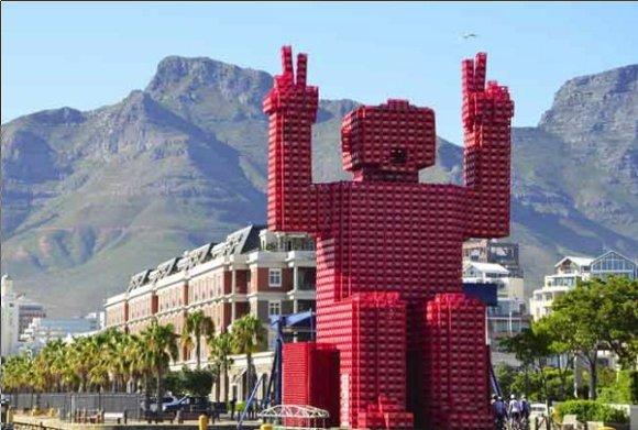 Elliot gigante Coca Cola reciclaje Sudáfrica