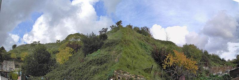 El Monte Testaccio de Roma, creado por la acumulación de ánforas durante tres siglos